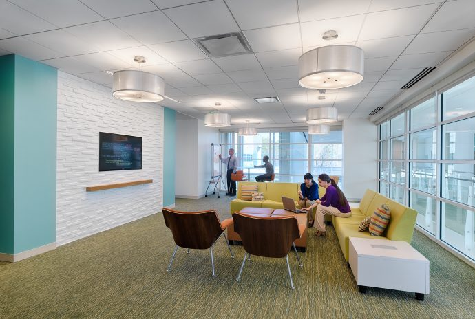Commons space designed for flexible and collaborative work